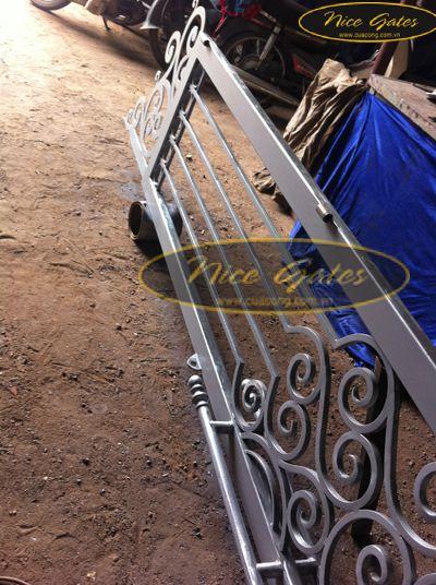 cua-cong-nice-gates
