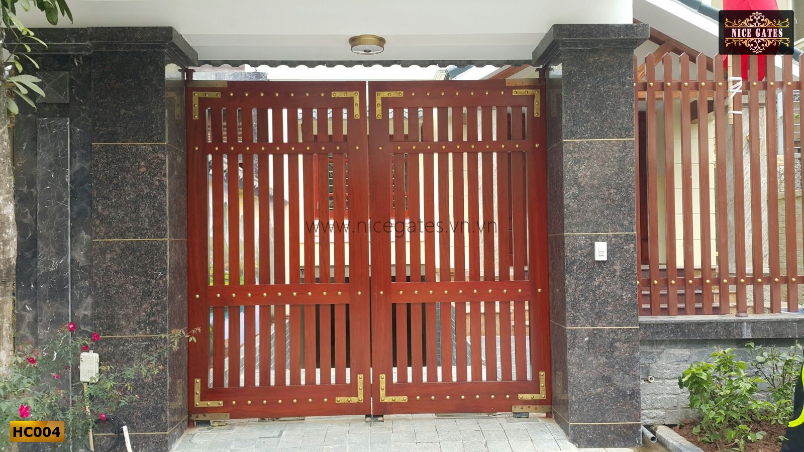 Cửa cổng sắt hộp đep