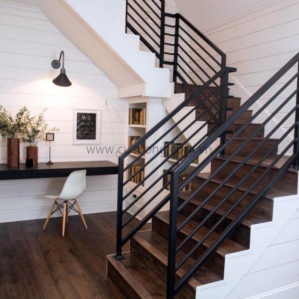 Cầu thang sắt đẹp 2018 – HT067