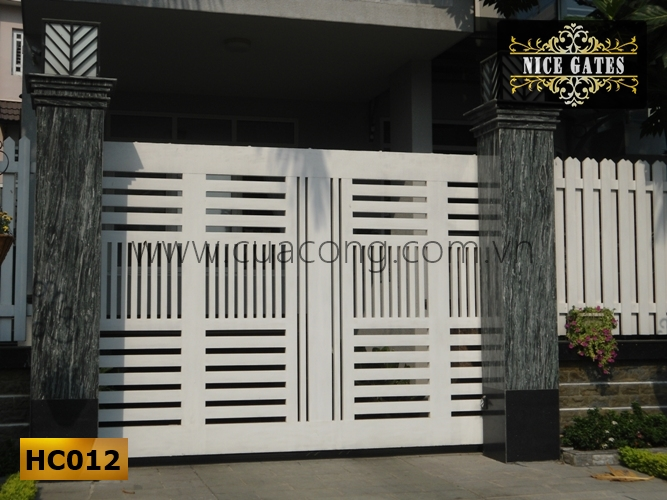 Cửa cổng sắt hộp HC012