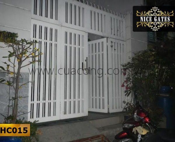 Cửa cổng sắt hộp HC015
