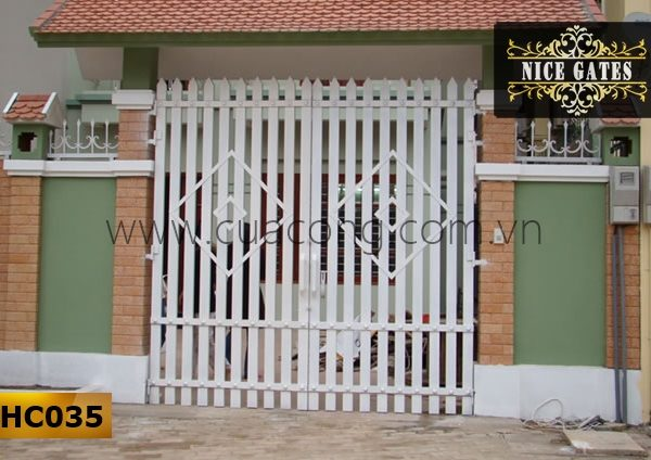 Cửa cổng sắt hộp HC035