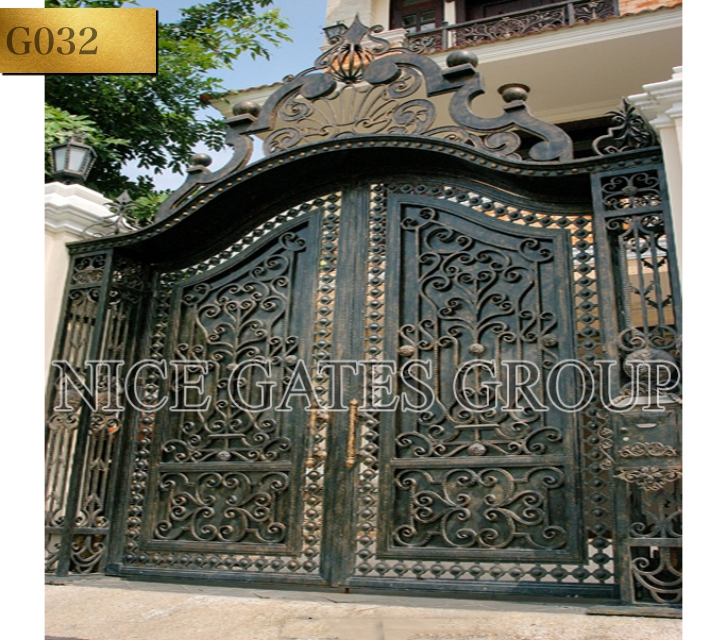Cửa cổng sắt mỹ thuật đẹp - G032