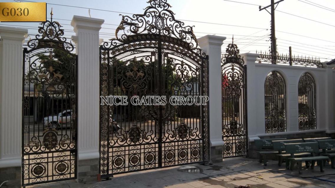 Cửa cổng sắt mỹ thuật cao cấp - G030