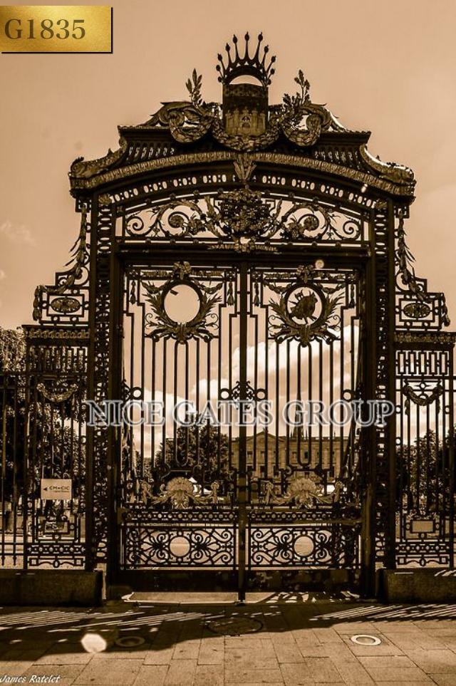Phong cách đẳng cấp của căn biệt thự qua cổng sắt mỹ nghệ