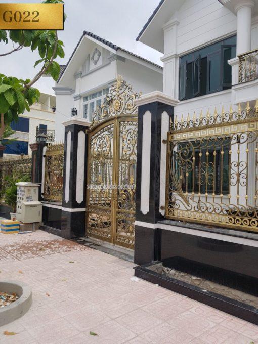 Cửa cổng sắt mỹ nghệ đẹp - G022