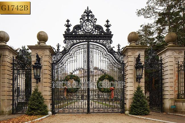 top mẫu cổng biệt thự đẹp thể hiện cá tính cho ngôi nhà của bạn