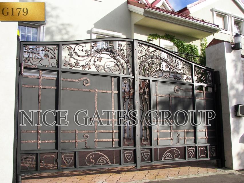 Mẫu cửa cổng sắt 2 cánh đẹp