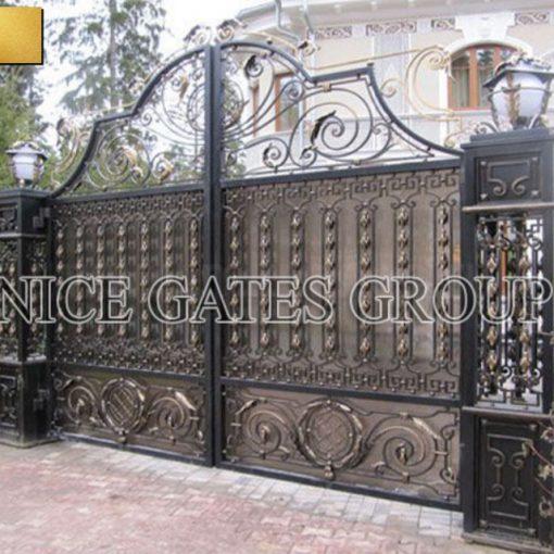 Cửa cổng sắt mỹ thuật mang phong cách của bạn