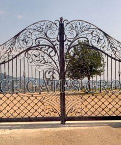Mẫu cổng sắt mỹ nghệ đẹp cho biệt thư cao cấp